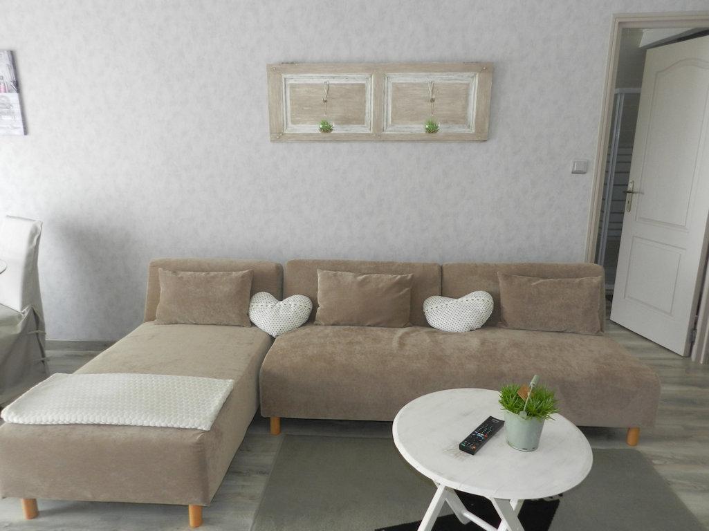 Appartement En Toit Terrasse Et Son Jacuzzi Appartement A Murviel