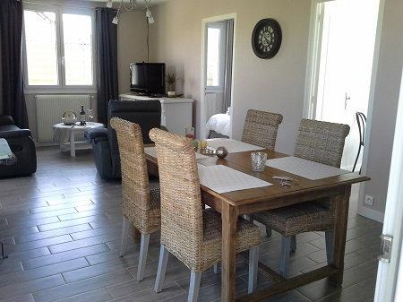 Les macareux maison denneville cotentin c te des isles for Sejour cuisine 25m2