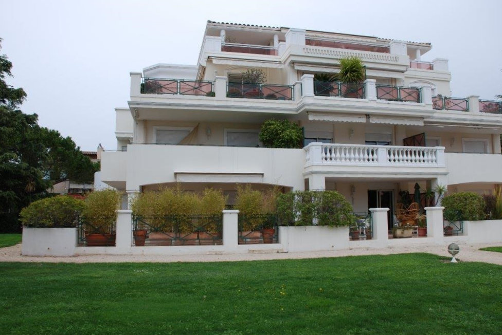 T2 Rez De Jardin Avec Terrasse De 21 M Et Piscine Apartment In