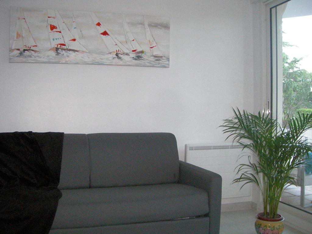 T2 rez-de-jardin avec terrasse de 21 m² et piscine - Wohnung ...