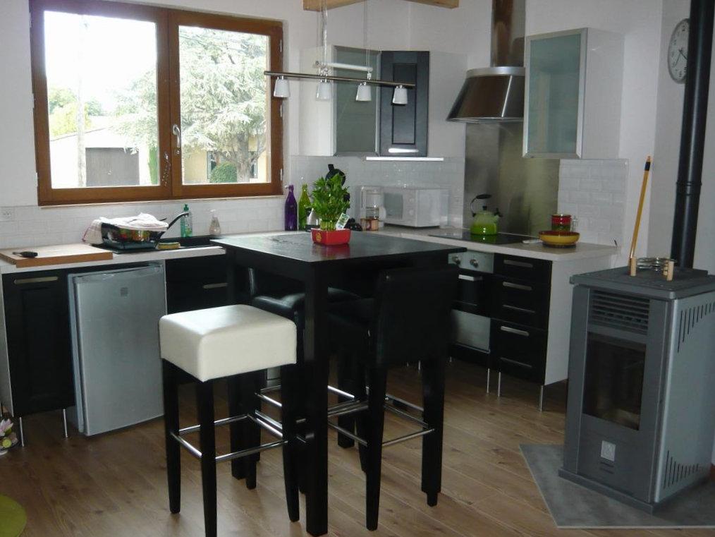 Maison moderne en ossature bois, avec piscine - Ferienwohnung in ...