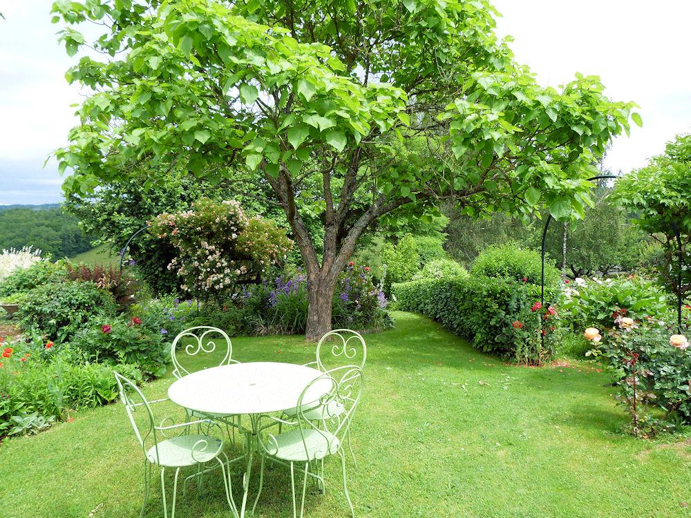Le jardin du cheyrol locations de vacances solignac limousin for Le jardin de plaisance 87