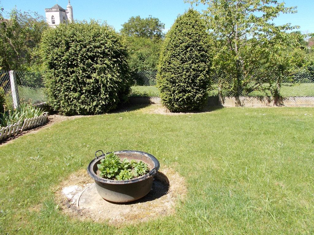 Meublé touristique près de Guédelon, gîte rural Sainpuits, Bourgogne