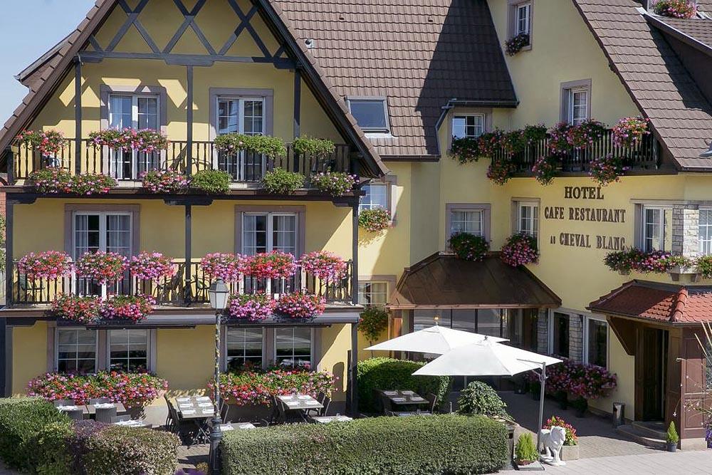 best western hotel au cheval blanc mulhouse nord baldersheim. Black Bedroom Furniture Sets. Home Design Ideas