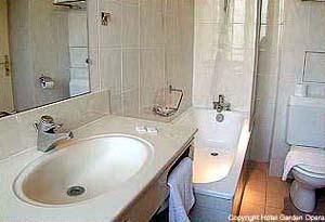 Hotel garden op ra paris photos for Hotel des bains paris france