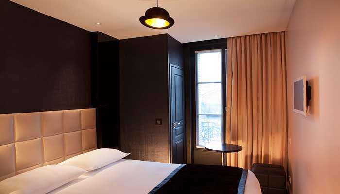 photos first hotel paris. Black Bedroom Furniture Sets. Home Design Ideas