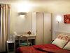 Hotel L'Amandier Nanterre