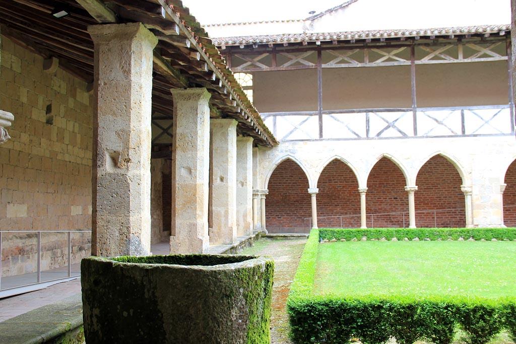 Chambres d 39 h tes l 39 abbaye de flaran valence sur ba se et - Chambre d hote colmar et ses environs ...