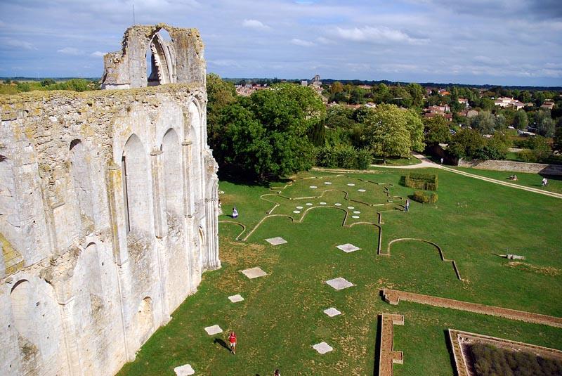 Chambres d 39 h tes l 39 abbaye de maillezais et ses environs - Chambres d hotes colmar et ses environs ...