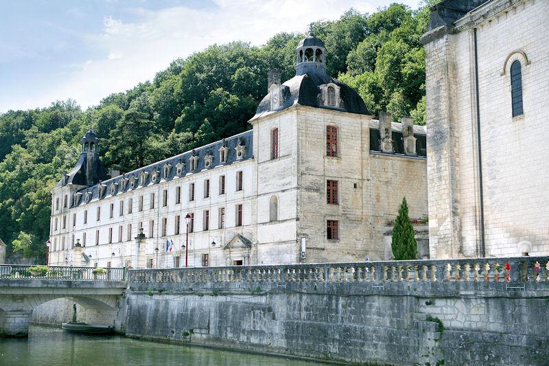 Chambres d 39 h tes l 39 abbaye saint pierre de brant me et - Chambres d hotes colmar et ses environs ...