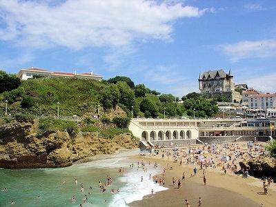 Hotels chambres d 39 h tes locations de vacances et - Hotel de la plage biarritz 3 esplanade du port vieux ...
