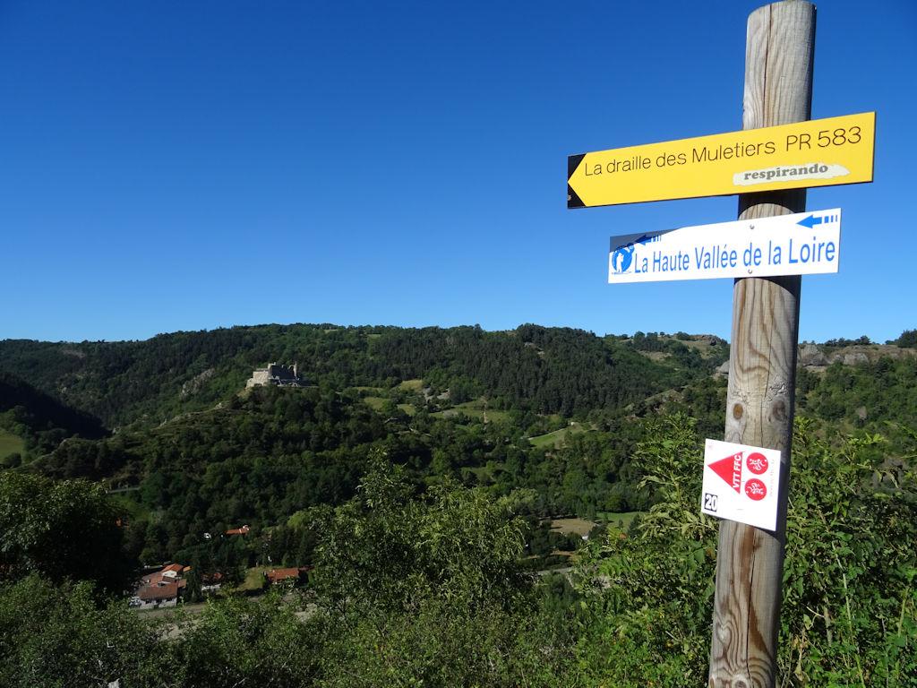 https://www.cybevasion.fr/photos2/chateau-de-beaufort_59b6a7d6e1f3f.jpg