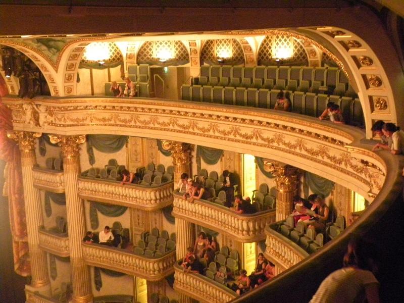 Hotels g tes et chambres d 39 h tes proximit du grand for Appartement bordeaux grand theatre