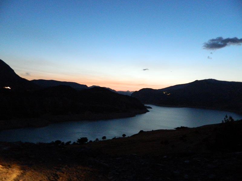 Lac Serre Poncon : Lac de serre poncon brücke von savines pont de savines