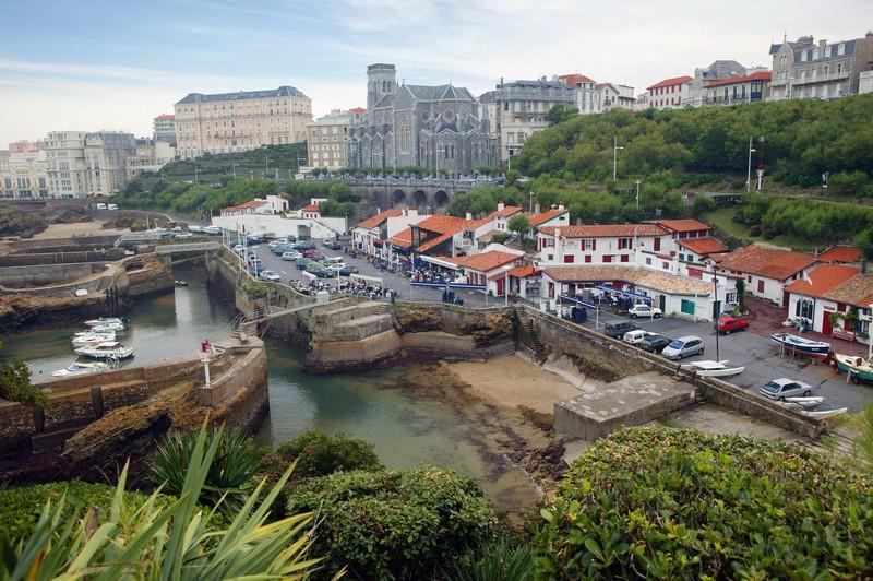 Hotels gites et chambres d 39 h tes proximit port des for Chambre de commerce biarritz