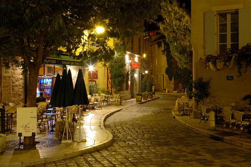 Tourisme lourmarin vaucluse - Office de tourisme lourmarin ...