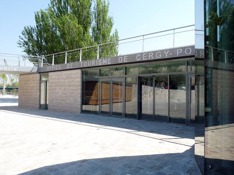 Tourisme pontoise val d 39 oise for Cergy pontoise piscine