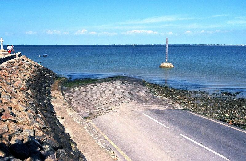 Locations de vacances proximit du passage du gois for Piscine beauvoir sur mer