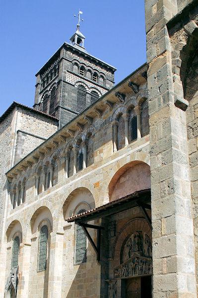 Chambres d 39 h tes la basilique notre dame du port - Chambre du commerce clermont ferrand ...