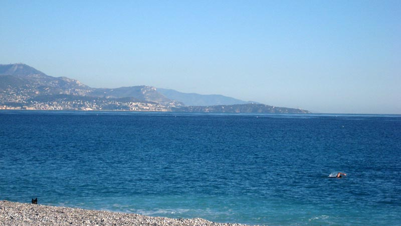 Plage de la siesta antibes juan les pins - Point p antibes ...
