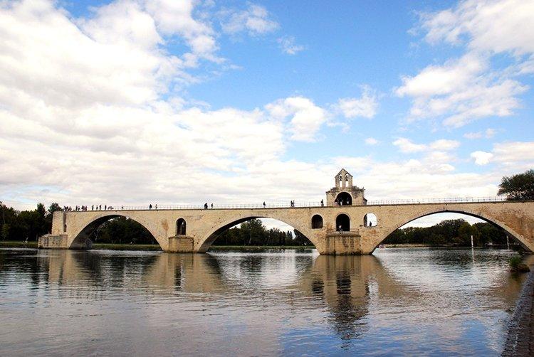 Hotels g tes et chambres d 39 h tes proximit du pont d 39 avignon pont saint b nezet - Chambre d hote a avignon ...