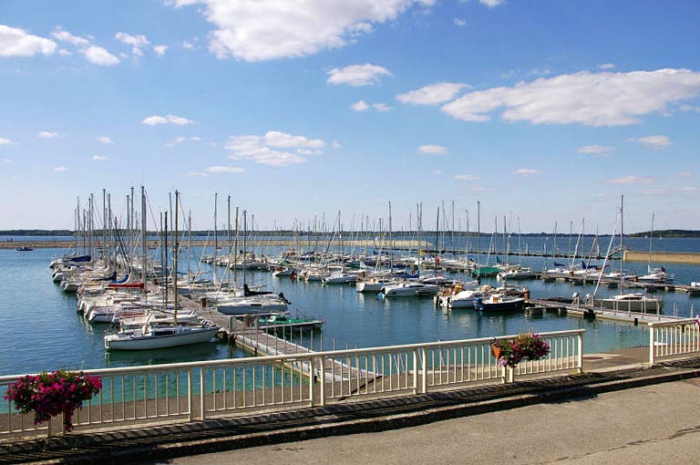 Port Saint Pere Hotel