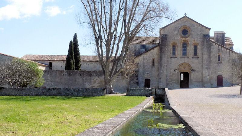 Locations de vacances l 39 abbaye de silvacane la roque d - Abbaye de citeaux horaires des offices ...