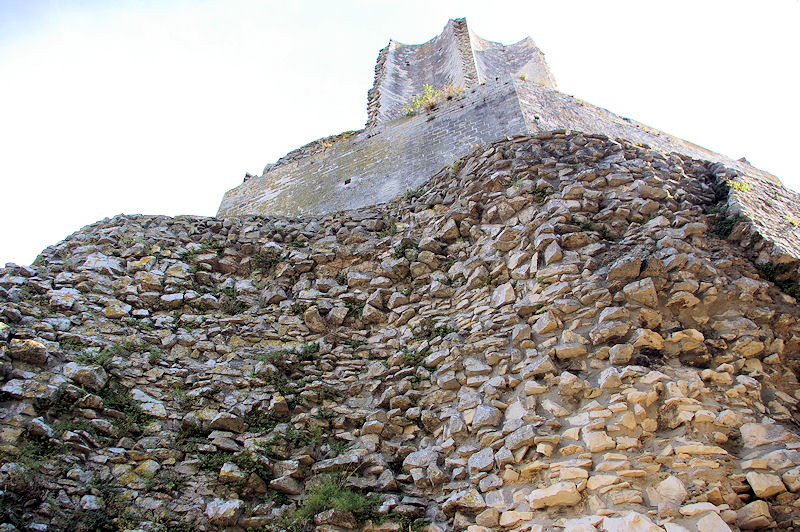 Hotels gites and bed and breakfast close to in la tour magne n mes - Tour magne nimes ...