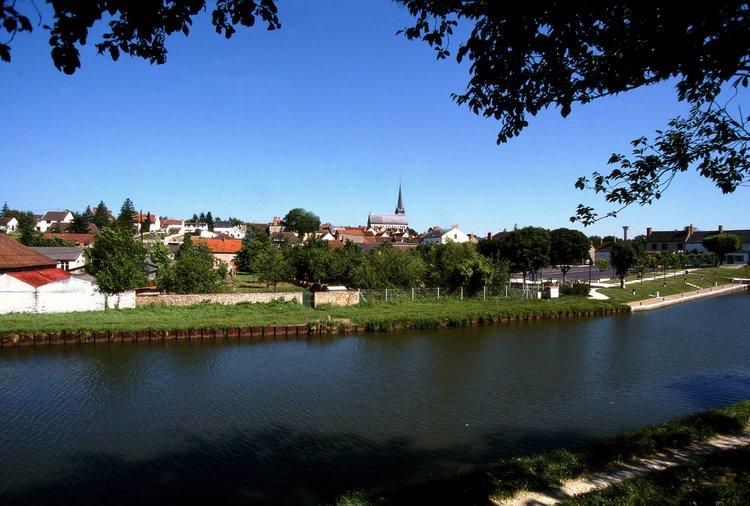 http://www.cybevasion.fr/photos2/vil004.jpg