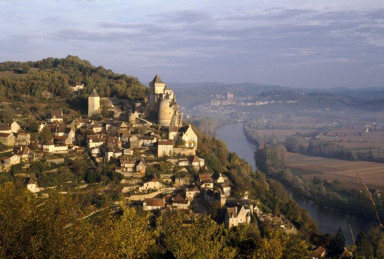 Castelnaud-la-Chapelle - Domme (Домм), Аквитания, Франция - достопримечательности, путеводитель
