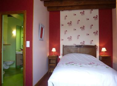 Chambres d 39 h tes logis du p tis long chambres santranges dans le cher 18 sancerrois - Deco jardin saint brisson sur loire fort de france ...