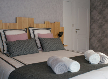 Bed breakfast aux agapanthes rochefort en terre kamers b b pluherlin golfe du morbihan - Kamer comtemporaine ...