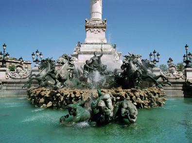 Locations de vacances la fontaine des girondins bordeaux for Location appartement bordeaux et ses environs