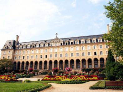 Chambres d 39 h tes au palais saint georges rennes et ses for Piscine saint georges rennes