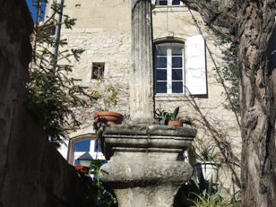 chambres d'hôtes lou calvari, chambres montfrin, languedoc, provence