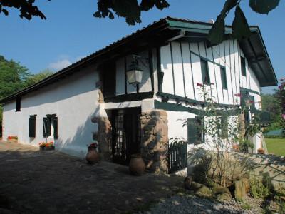 Chambres d 39 h tes de charme ttakoinenborda chambres sare pays basque - Chambres d hotes pays basque francais ...