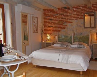 chambre d 39 h tes atypique rooms cabrerets. Black Bedroom Furniture Sets. Home Design Ideas