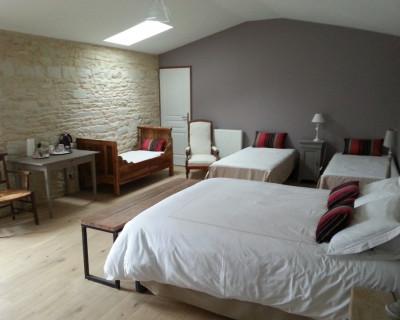 chambre d 39 h tes la demeure du marais chambre le vanneau irleau marais poitevin. Black Bedroom Furniture Sets. Home Design Ideas